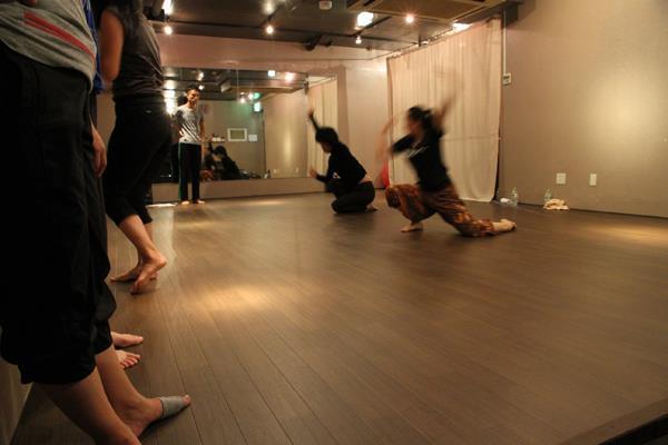 コンテンポラリーダンス舞踏